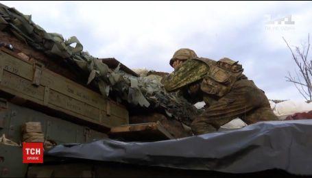 На Маріупольському напрямку один український військовий зазнав поранень