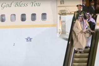 Перший візит короля Саудівської Аравії до РФ зіпсував конфуз в аеропорту