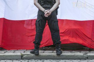 Поліція Вроцлава майже добу залякувала українку та змусила її роздягнутися