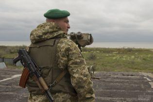 Более 700 иностранцам запретили въезд в Украину