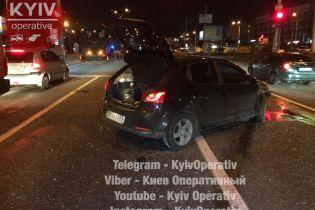 В Киеве произошло ДТП на перекрестке