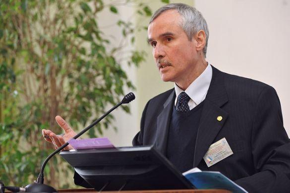 Доктор політичних наук Інституту міжнародних відносин Сергій Галака