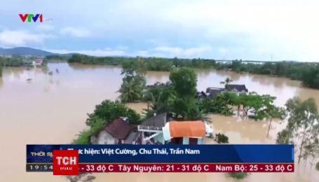 Вьетнам страдает от самого масштабного наводнения. По меньшей мере 54 человека погибли