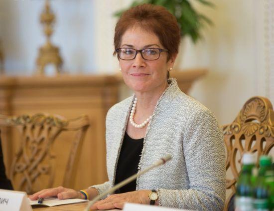 США відкликають з України свого посла