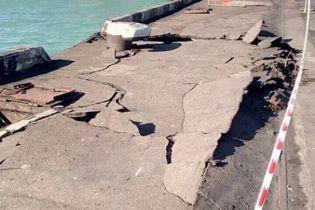 Грузовое судно под флагом Мальты врезалось в причал в Одессе