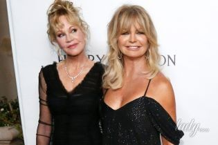 Роскошны даже в возрасте: Мелани Гриффит и Голди Хоун впечатлили красивыми вечерними нарядами