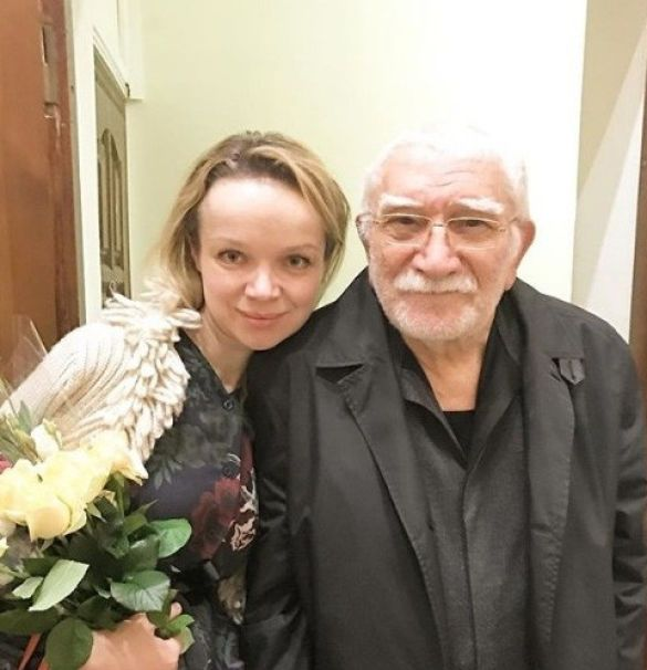 Армен Джигарханян з молодою дружиною_2