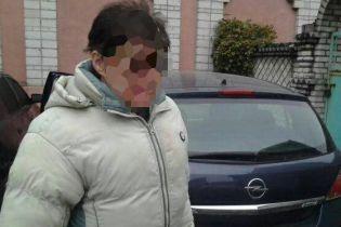 Третий протокол за год: на Киевщине патрульные остановили пьяною суддю за рулем