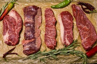 Стало відомо, яке м'ясо за рік здорожчало найбільше