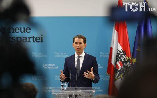 Санкції проти РФ не скасують, поки на Донбасі не буде мир - канцлер Австрії