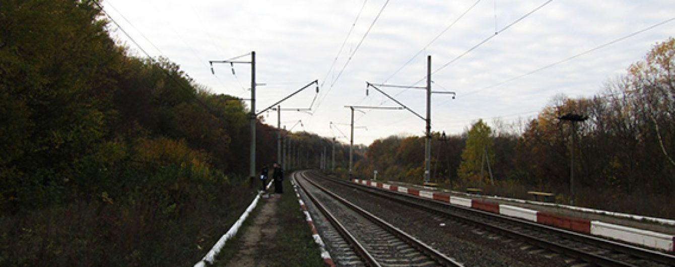 На Львовщине грузовой поезд насмерть сбил человека