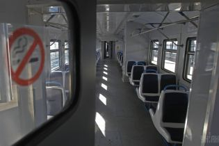 """Вместо электричек - автобусы. """"Укрзализныця"""" запланировала реформу системы пригородных перевозок"""