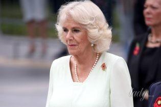 Битва нарядов: нежный образ герцогини Корнуольской vs яркий наряд жены премьер-министра Сингапура Хо Чин