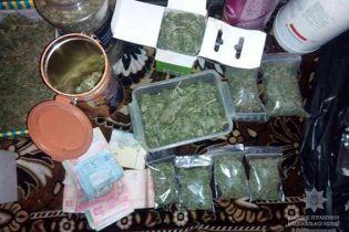 На Дніпропетровщині вилучили марихуани та метамфетаміну на мільйон гривень