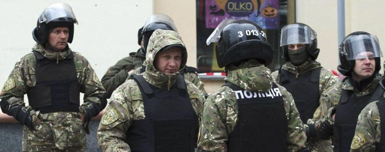 """Закон о запрете """"маски-шоу"""" в Украине вступил в действие"""