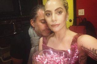 Леди Гага помолвлена со своим концертным агентом – СМИ