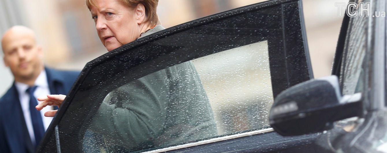 Меркель впервые назвала конечную дату, до которой должны завершиться консультации по коалиции в Германии