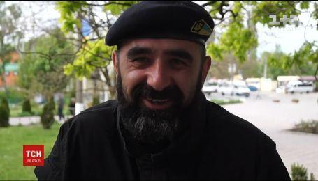 """В Запорожье чествуют грузинского добровольца на позывной """"Гюрза-2"""""""