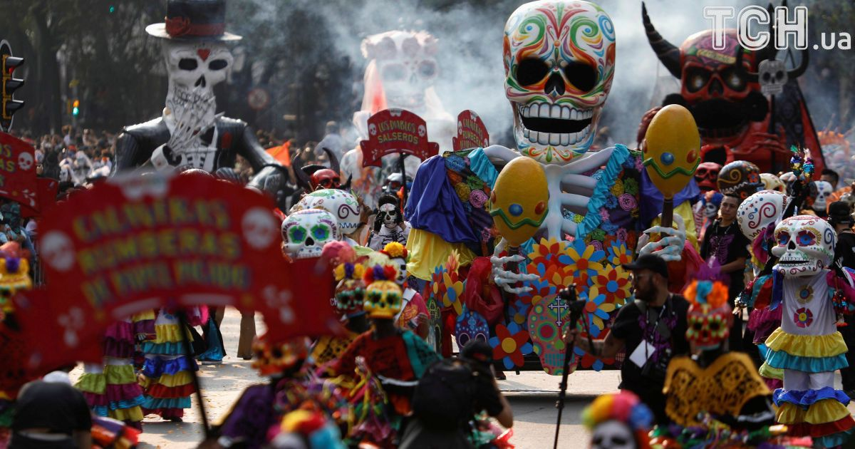 the festivals in mexico The festivals and events of a city reflect on the kind of culture followed in a particular city during festivals, you can feel a completely different energy in the air of colima enjoying the events and festivals of is the best opportunity to belong to colima.
