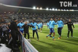 Французький футболіст вдарив з ноги фаната свого клубу і потрапив в історію Ліги Європи