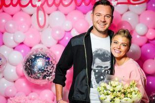 Ириша Блохина отпраздновала трехлетие дочери с розовыми шариками и аниматорами