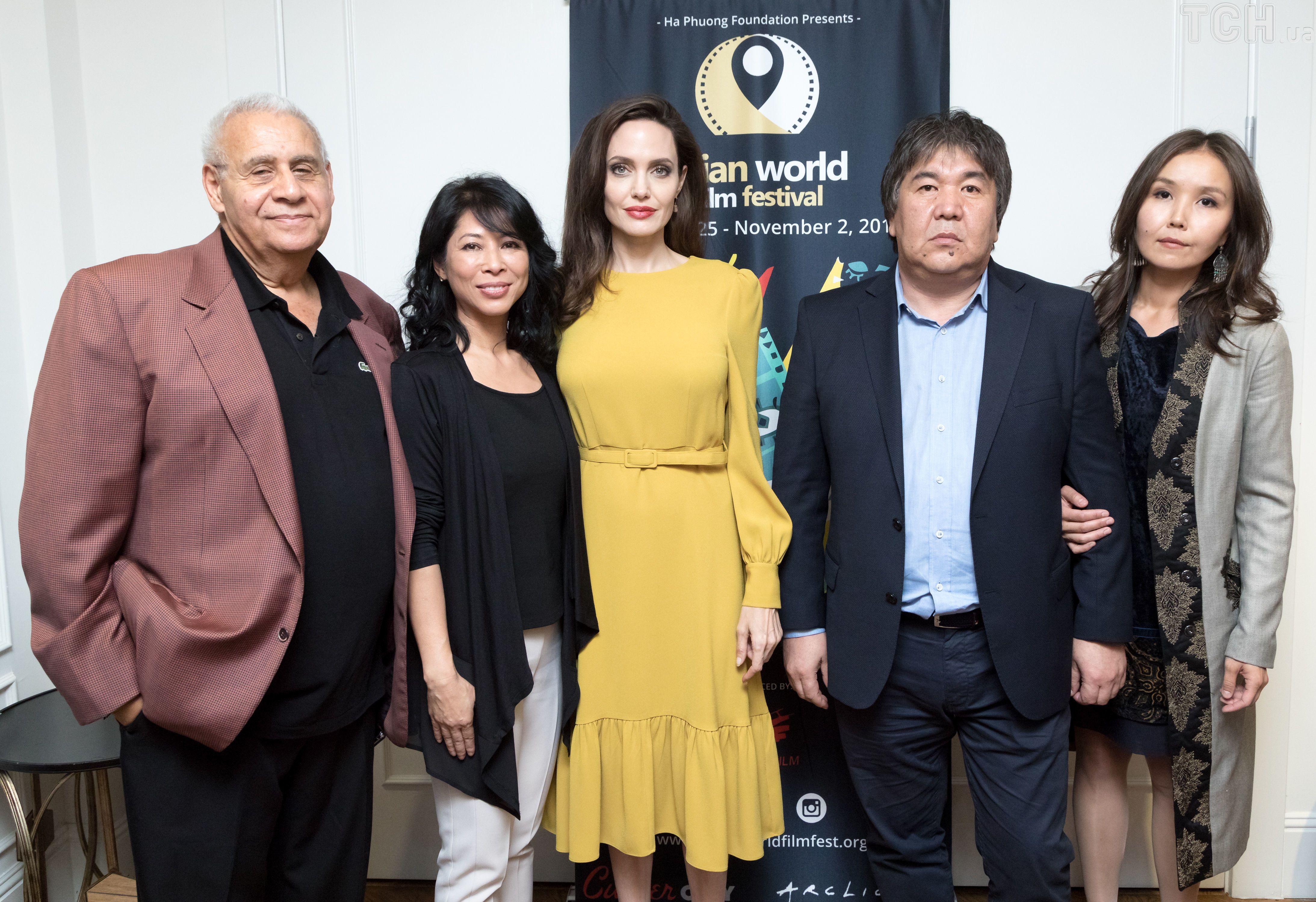 Анджеліна Джолі на кінофестивалі азіатського кіно _1