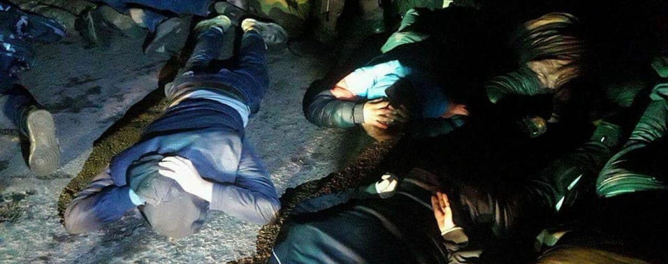На Полтавщині поліція затримала більше 40 рейдерів, які намагалися захопити агропідприємство