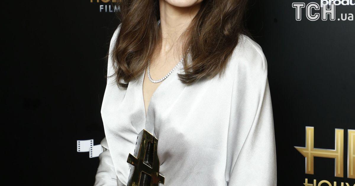 Анджелина Джоли на Hollywood Film Awards 2017 @ Reuters
