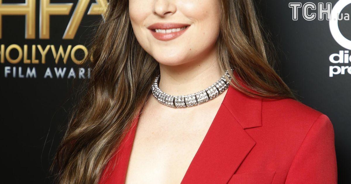 Дакота Джонсон на Hollywood Film Awards 2017 @ Reuters