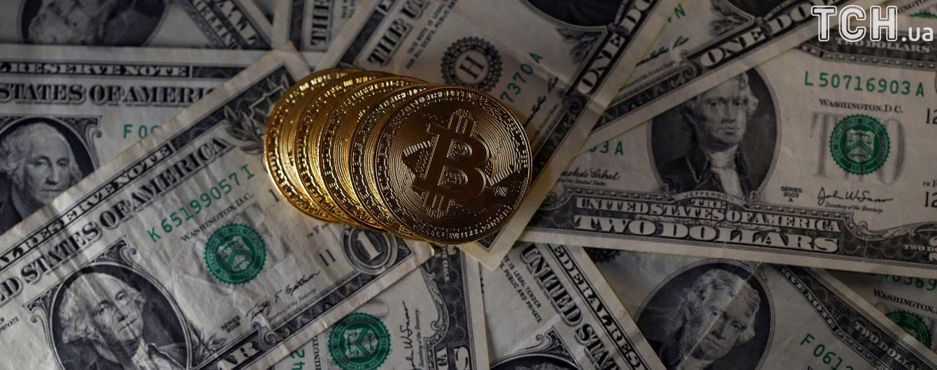 Стоимость одного биткоина перевалила за рекордные 15 тысяч долларов