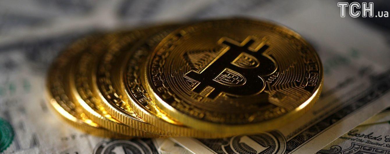 Новый рекорд: курс биткоина превысил 12 тысяч долларов