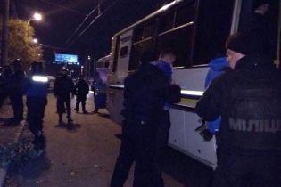 В массовой драке фанатов в Киеве пострадали трое человек, полиция открыла уголовное производство