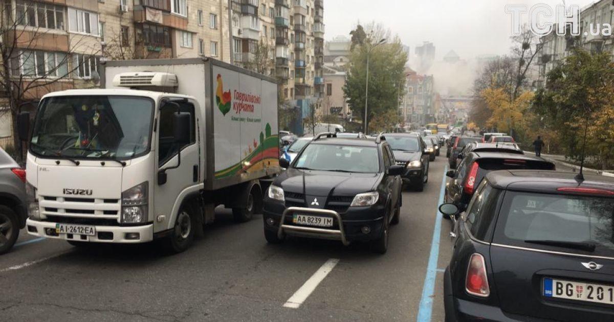 Рух найближчими вулицями ускладнено @ Фото Валерії Ковалінської/ТСН
