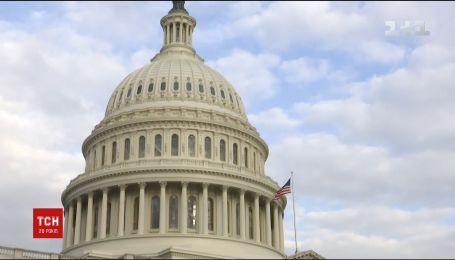 Конгрес США погодився виділити 350 мільйонів доларів на допомогу українським військовим