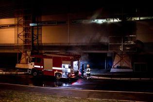 В Киеве посреди ночи горел огромный гипермаркет