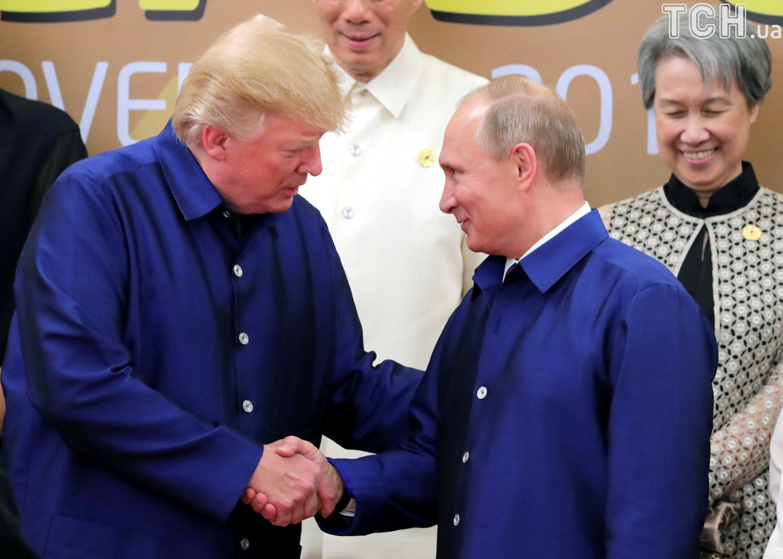 Трамп і Путін, рукостискання