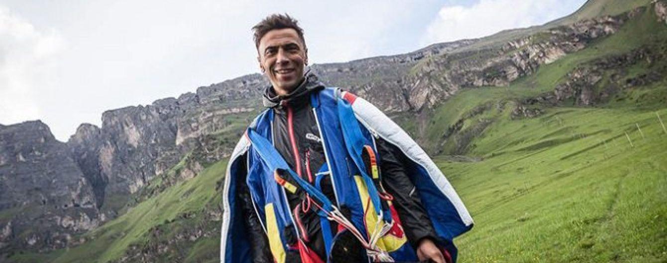 Российский экстремал-альпинист погиб во время опасного прыжка в Непале