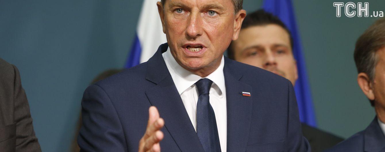 На выборах президента Словении с рекордно низкой явкой победил действующий глава государства