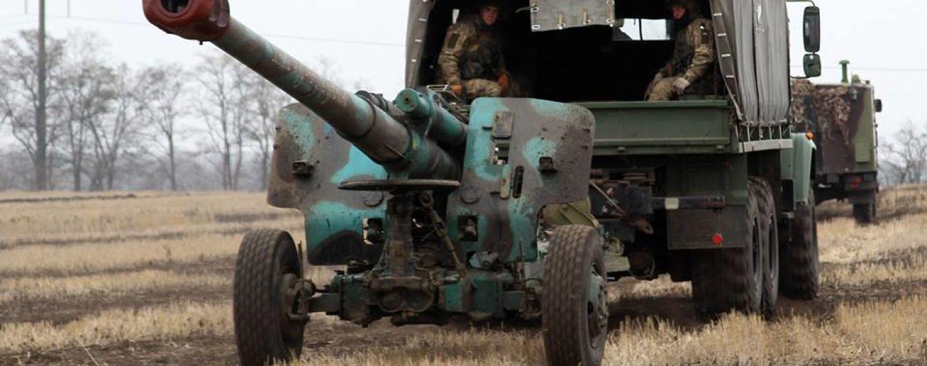 Боевики хотят втянуть украинских военных в противостояние, двое защитников получили ранения. Дайджест АТО