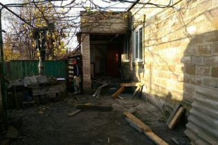 В Марьинке гражданский подорвался во дворе собственного дома