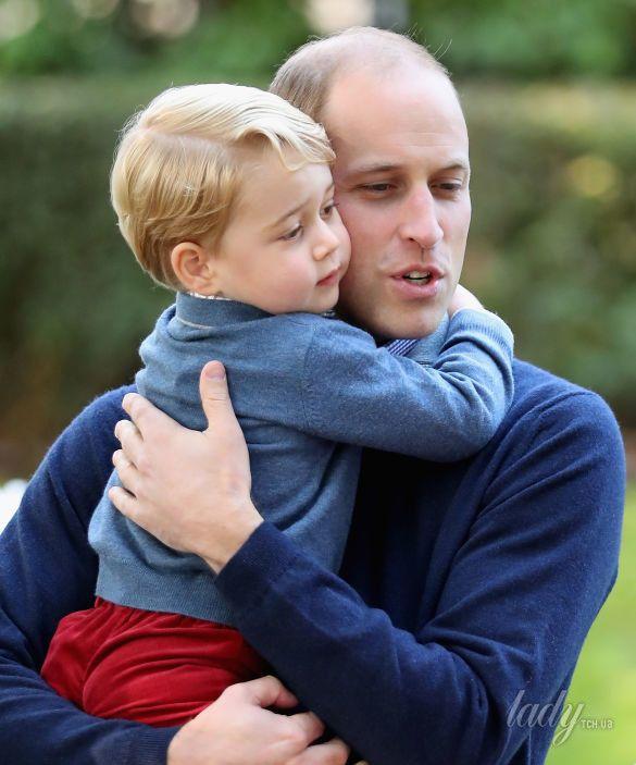 Принц Уильям и герцогиня Кэтрин с детьми_2