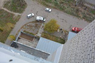 В Одесі жінка наклала на себе руки, вистрибнувши з дев'ятого поверху