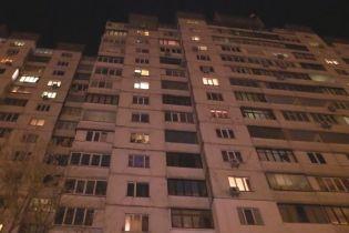 У Києві жінка випала з вікна п'ятого поверху