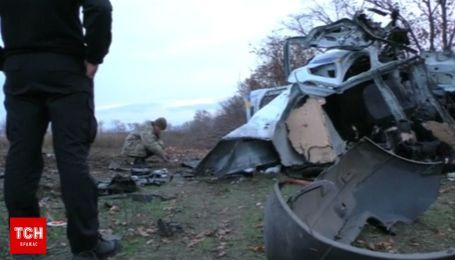 Reuters опубликовало видео первых минут после взрыва полицейского авто возле Мариуполя