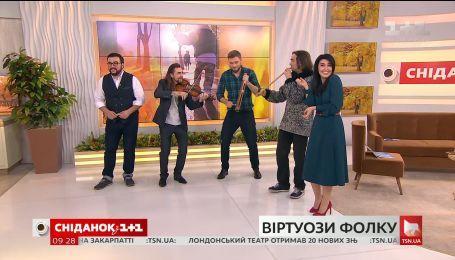 """Музиканти та організатори фестивалю """"Віртуози фолку"""" в гостях """"Сніданку"""""""