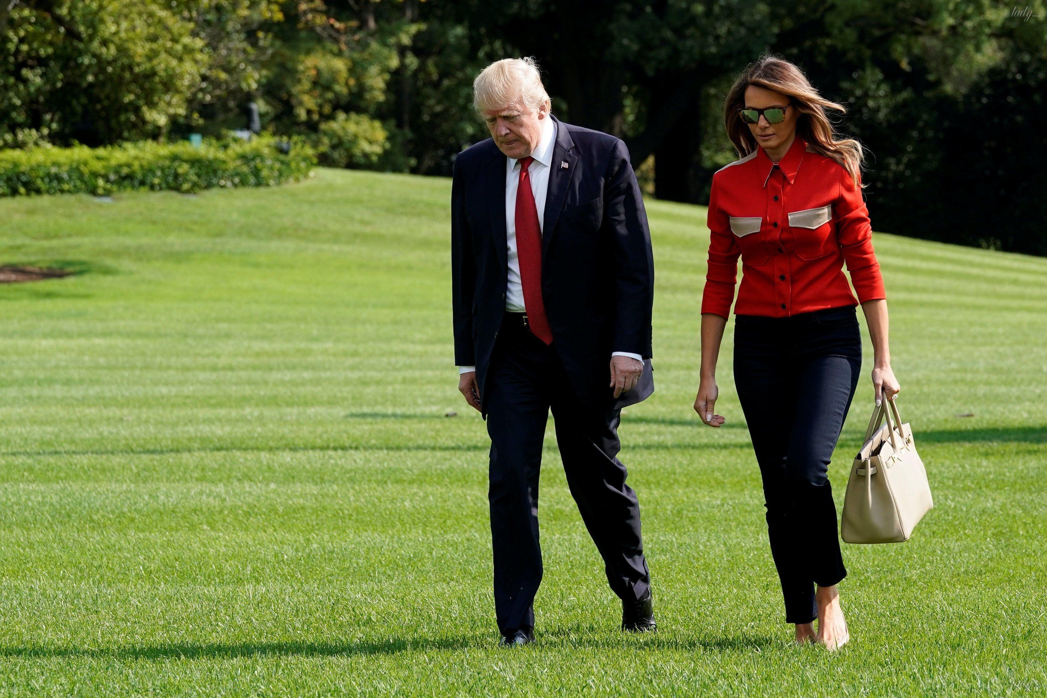 Мелания Трамп в красном