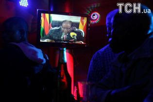 Президент Зимбабве выступил с обращением к нации, не вспомнив о своей отставке