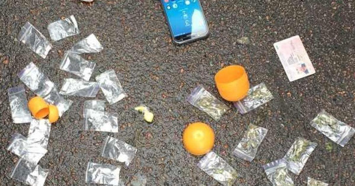 В Киеве накрыли банду, которая пересылала по почте наркотики в