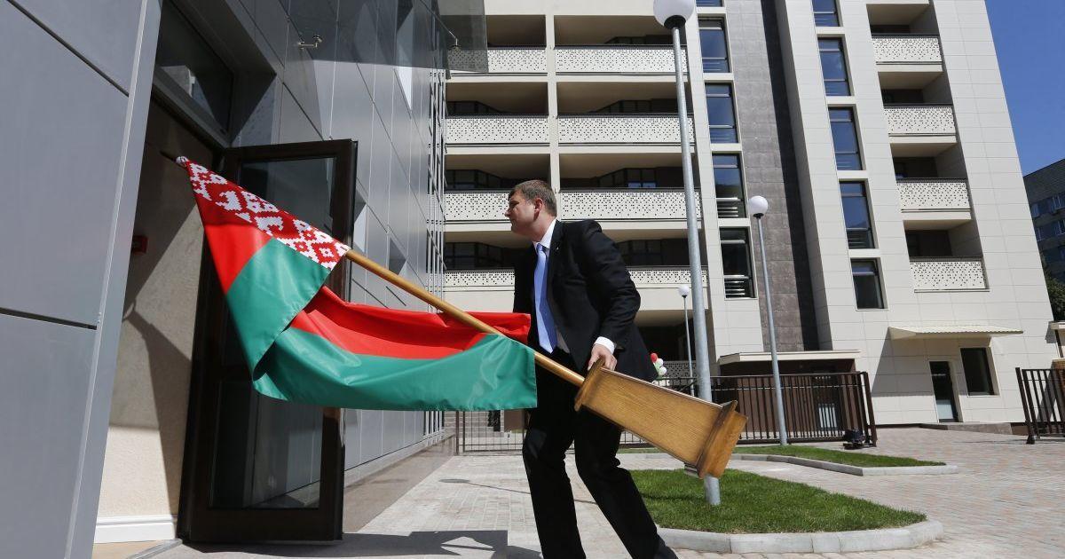 Уже 10 стран отозвали своих послов из Беларуси в знак солидарности с дипломатами Польши и Литвы