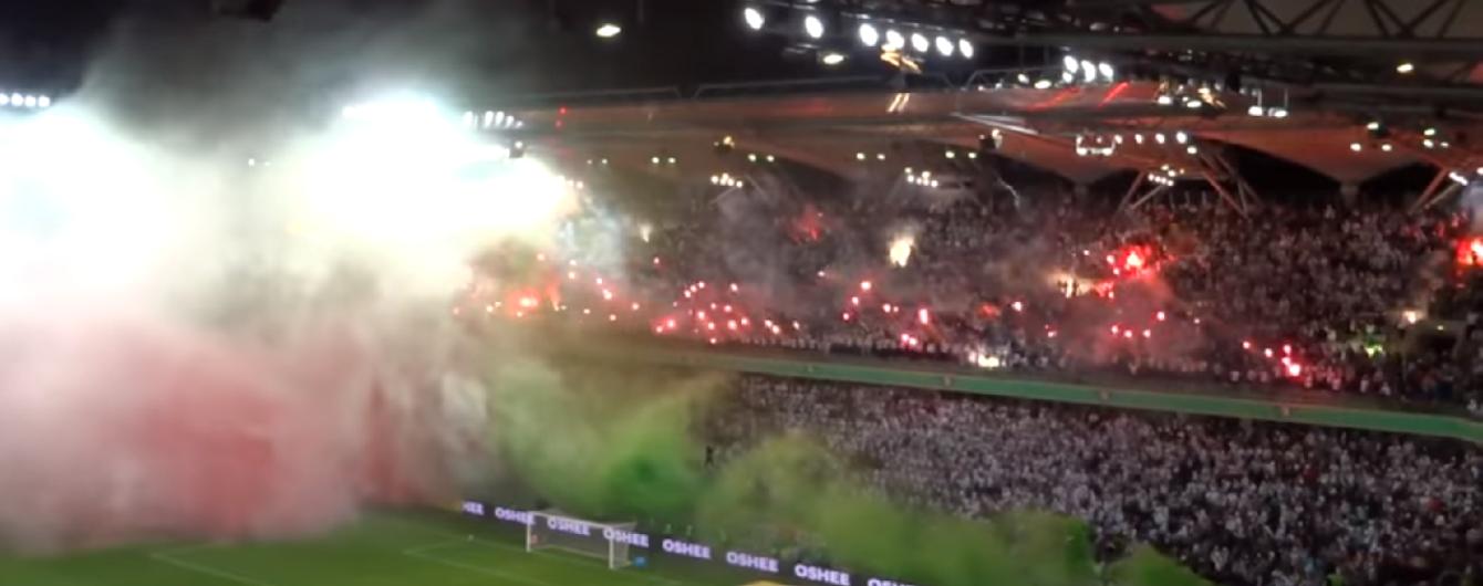 Фанати польського клубу влаштували неймовірний перфоманс на грі чемпіонату
